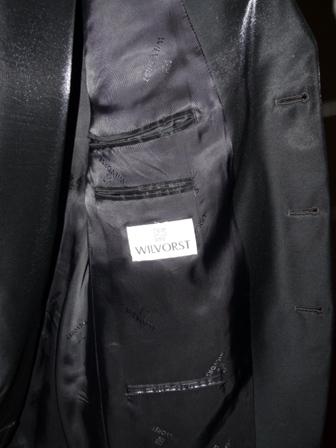 leskly cierny oblek sity vo Viedni, 54