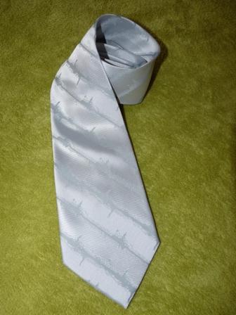 talianska kravata nenosena,