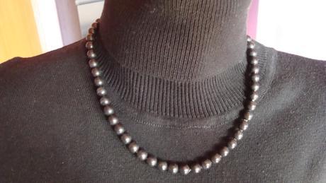 černé perličky,