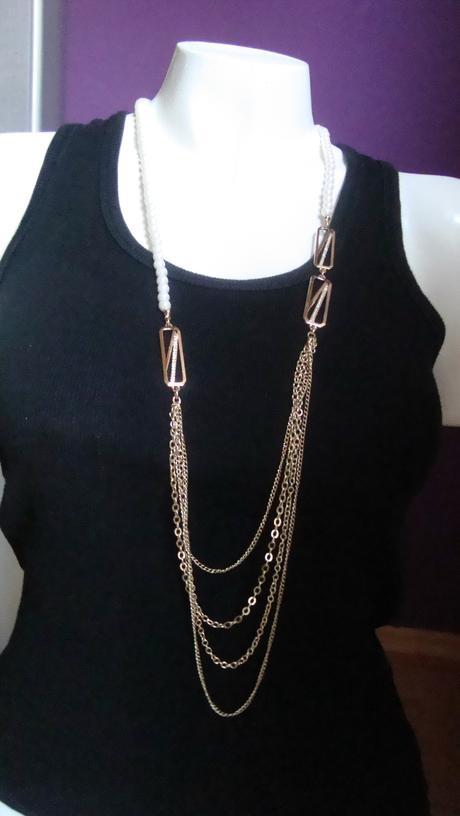 dlouhý zlatý náhrdelník ,