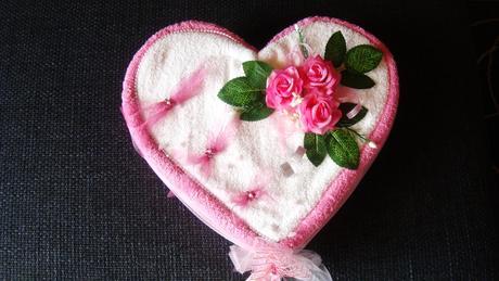 svatební srdce z ručníků,