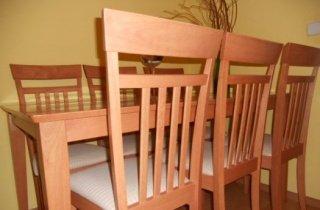 SET -stôl so stoličkami,