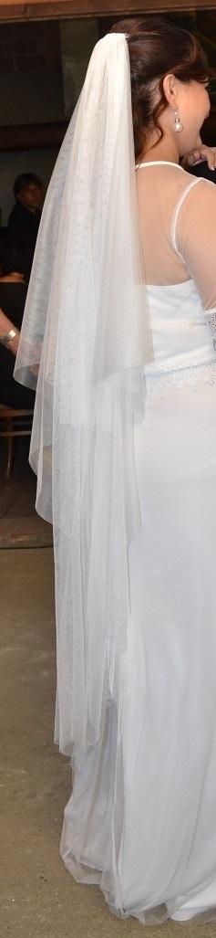 Těhotenské/splývavé svatební šaty s krajkou+závoj , 42
