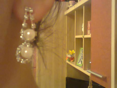 Nahrdelník a naušničky ,