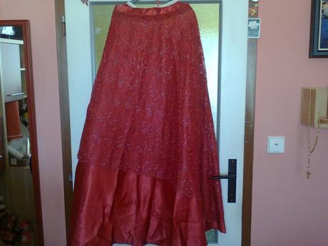 Spoločenke šaty s kruhom, 42