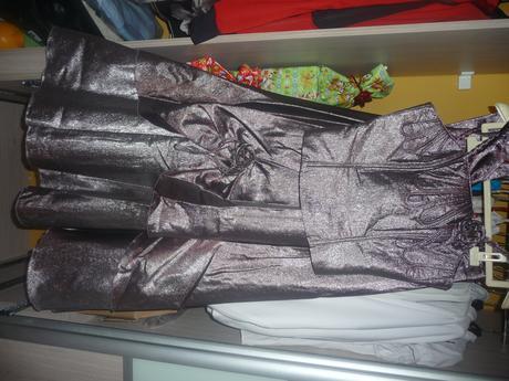 Šaty s korzetom, 38
