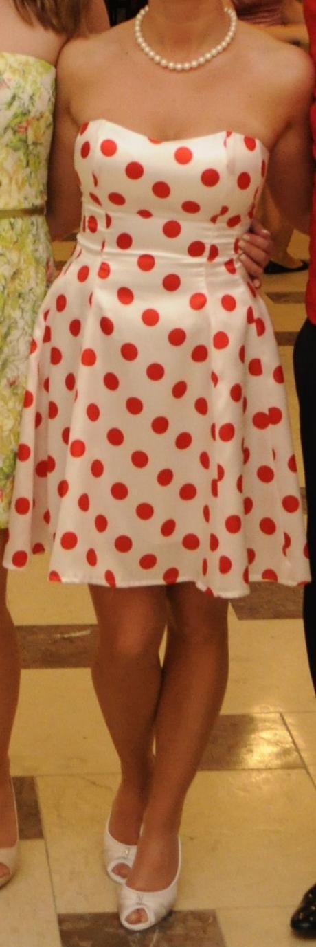 popolnočné šaty, 36