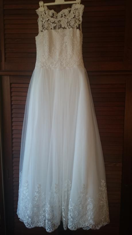 Snehobiele svadobné šaty, 38