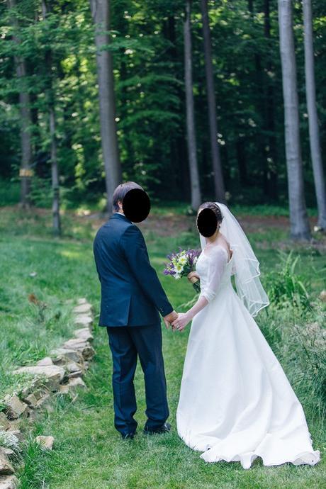 Svatební šaty s rukávy, 38