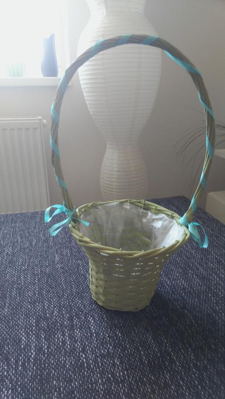 Mentolovo zelený košíček,
