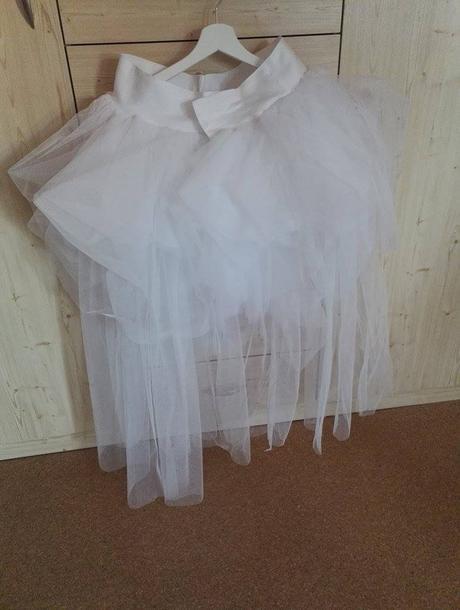 Tylova sukne , 38
