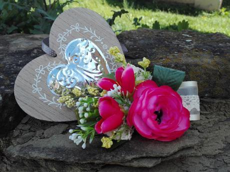 Kvetinová spona Batšeba,