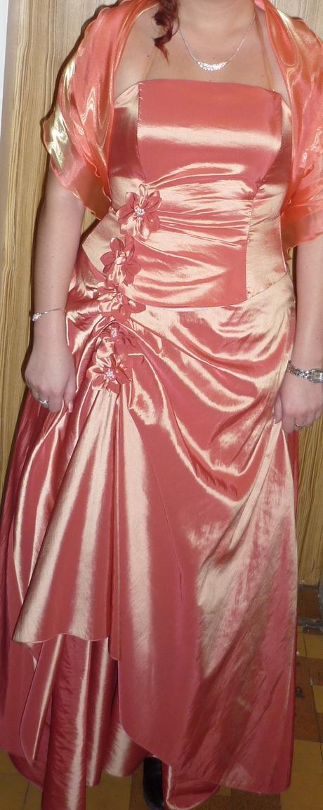 Společenské šaty, lososová barva, 42