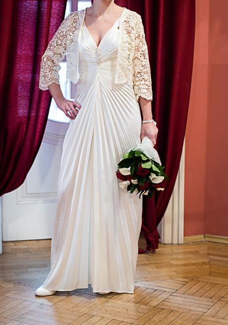 Plisované svadobné šaty, 37