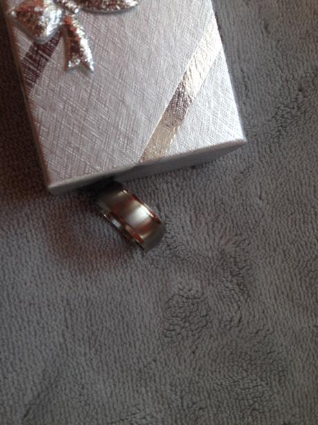 Nenošený prsten - chirurgická ocel,krabička zdarma,