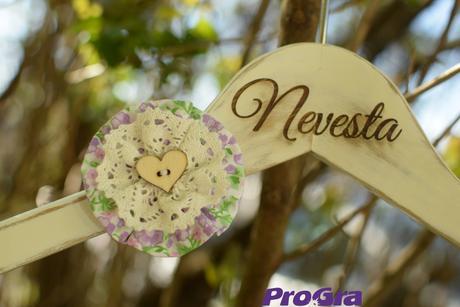 Svadobné vintage vešiačiky IV.,
