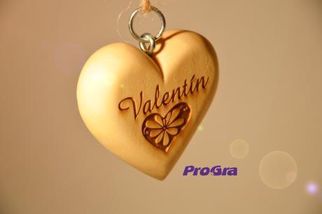 Valentín - bucľaté srdiečko s háčikom,