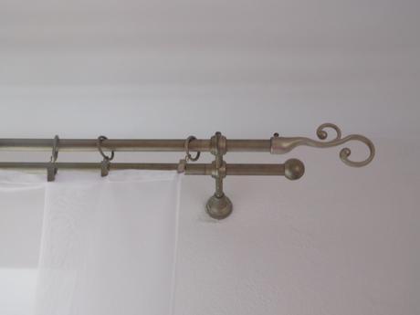 Kovová garniža-tyč celá komplet viac kusov,