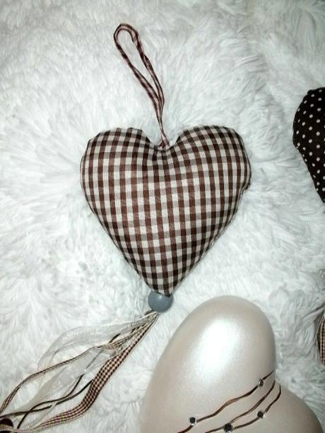 Mile dekoračné srdcia do Vášho domova,