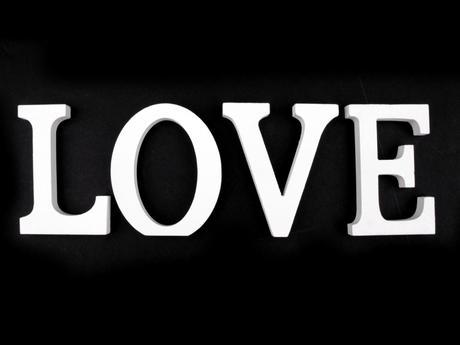3D dekorace - nápis LOVE,
