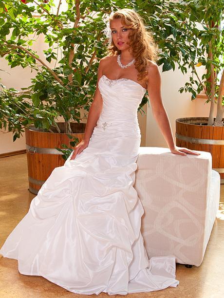 Svatební šaty vel. 44-48, bílé, 46