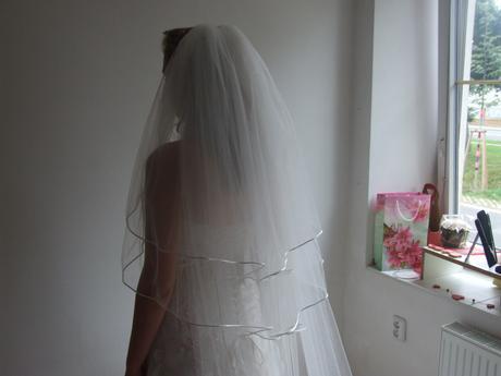 svatební závoj, s krajkovým lemem, smetanový,