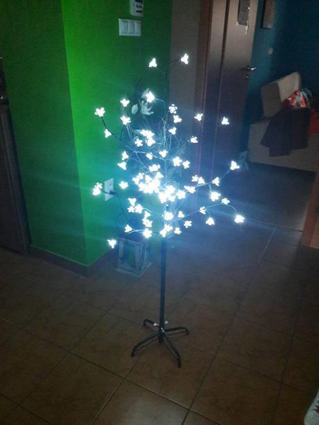 svietiaci stromček,