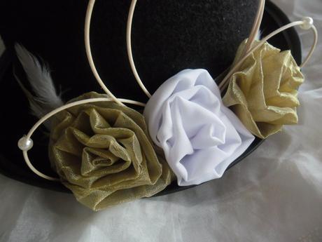 Cylindr - bílé a zlaté růže,