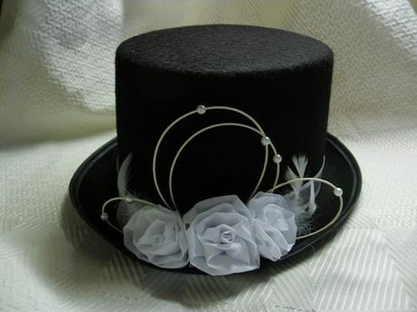 Cylindr - bílé růže,