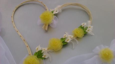 Srdce a cylindr, barva a květiny na přání,