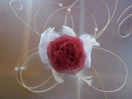 Svatební dekorace - bordo růže. Barva na přání,