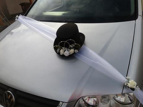Svatební dekorace na auta, barva na přání,