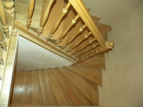 Drevené schody,