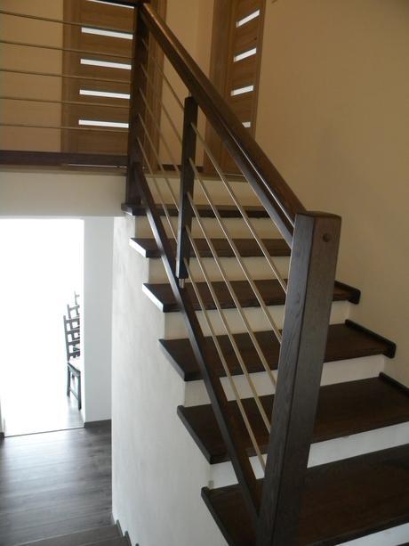 drevene schody a zabradlia,