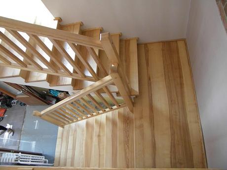 predavam drevene schody ,