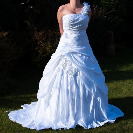 Svatební šaty Fuente, 44