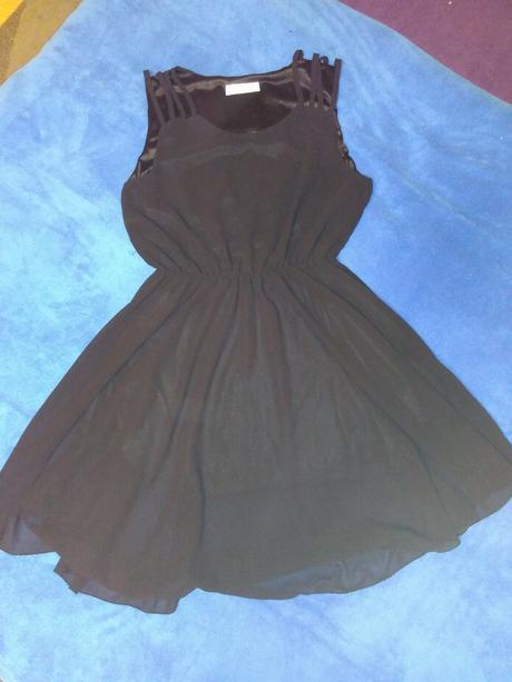 čierne krátke šaty, L