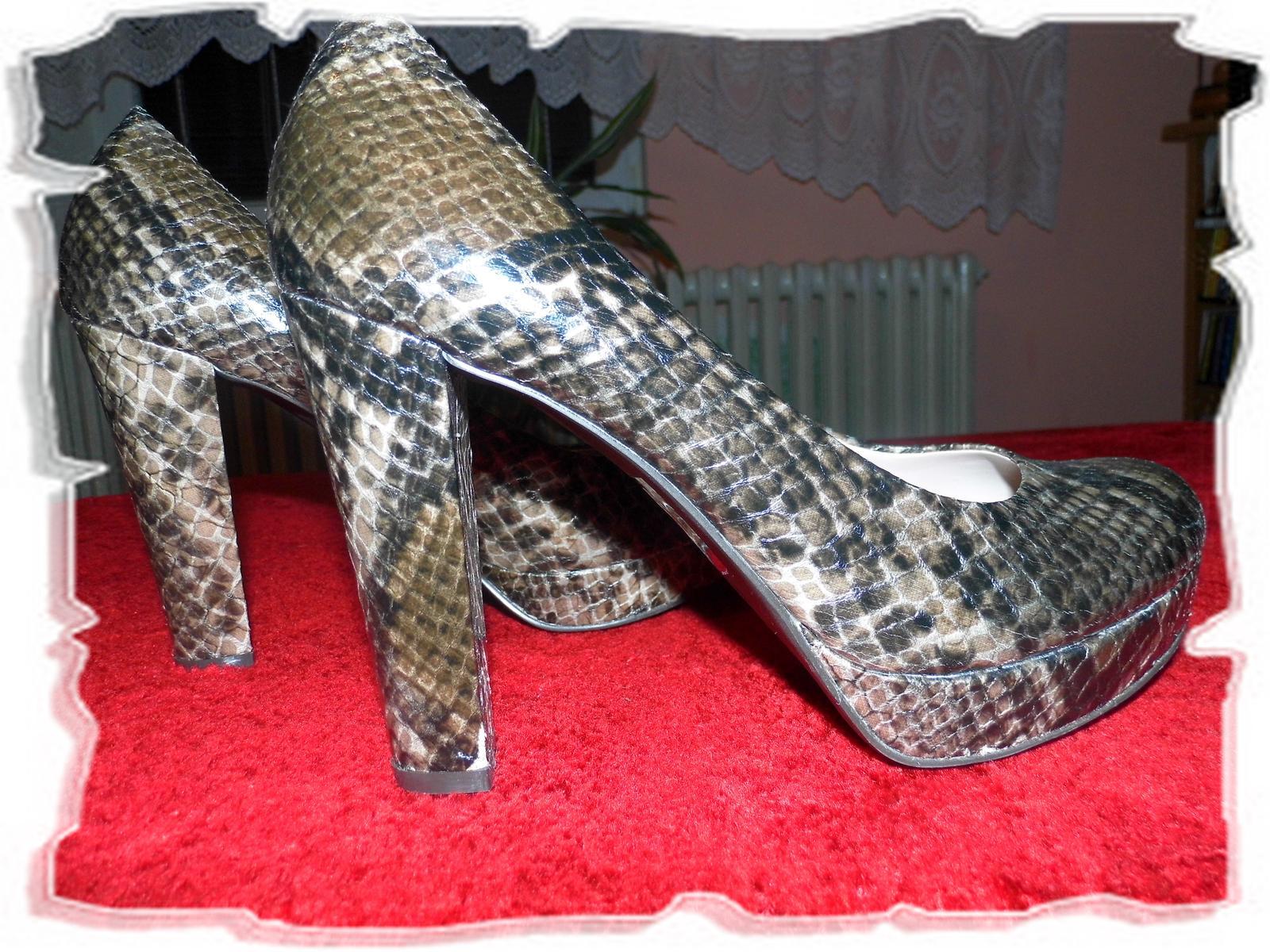 f57c689eba7c Kvalitné topánky - baťa