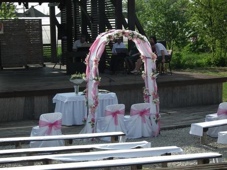 Svadobná ikebana do kostola alebo na hlavný stol ,
