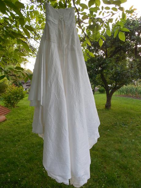 Šaty s vlečkou, 40