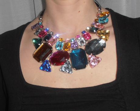 Farebný náhrdelník,