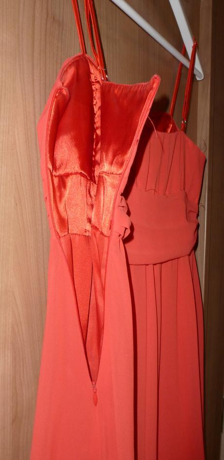 Šaty pro družičku, 36