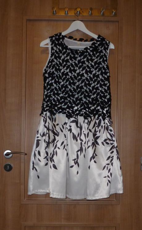 Společenské černobílé šaty, 39