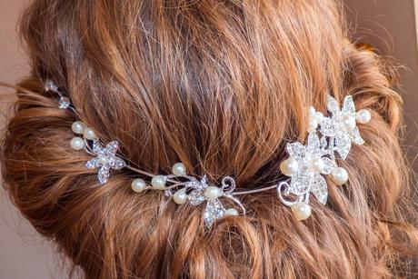 Elegantná ozdoba do vlasov,
