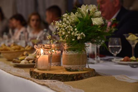 Svadobná výzdoba z jutoviny vo vintage štýle,