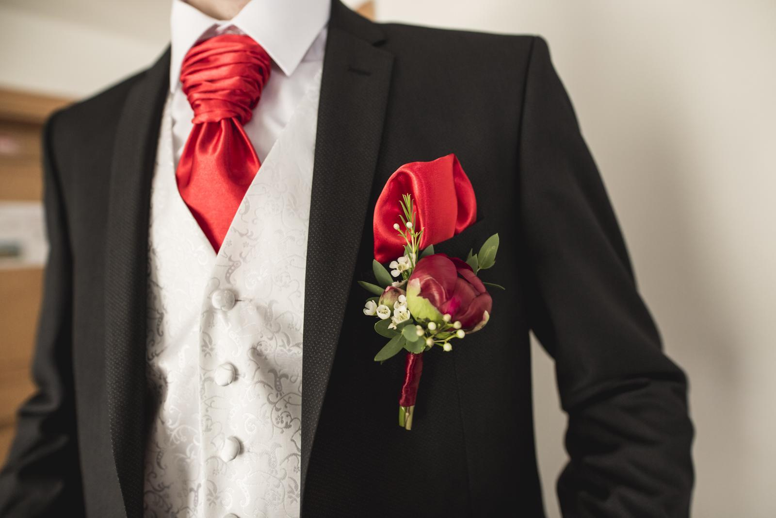 710b38b8f Červená francúzska kravata + vreckovka, - 15 € | Svadobný bazár |  Mojasvadba.sk
