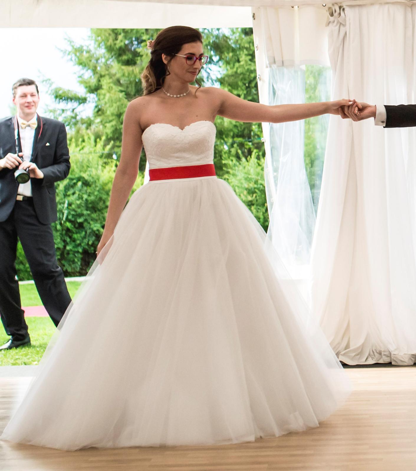 bb3b6303d502 Korzetové svadobné šaty