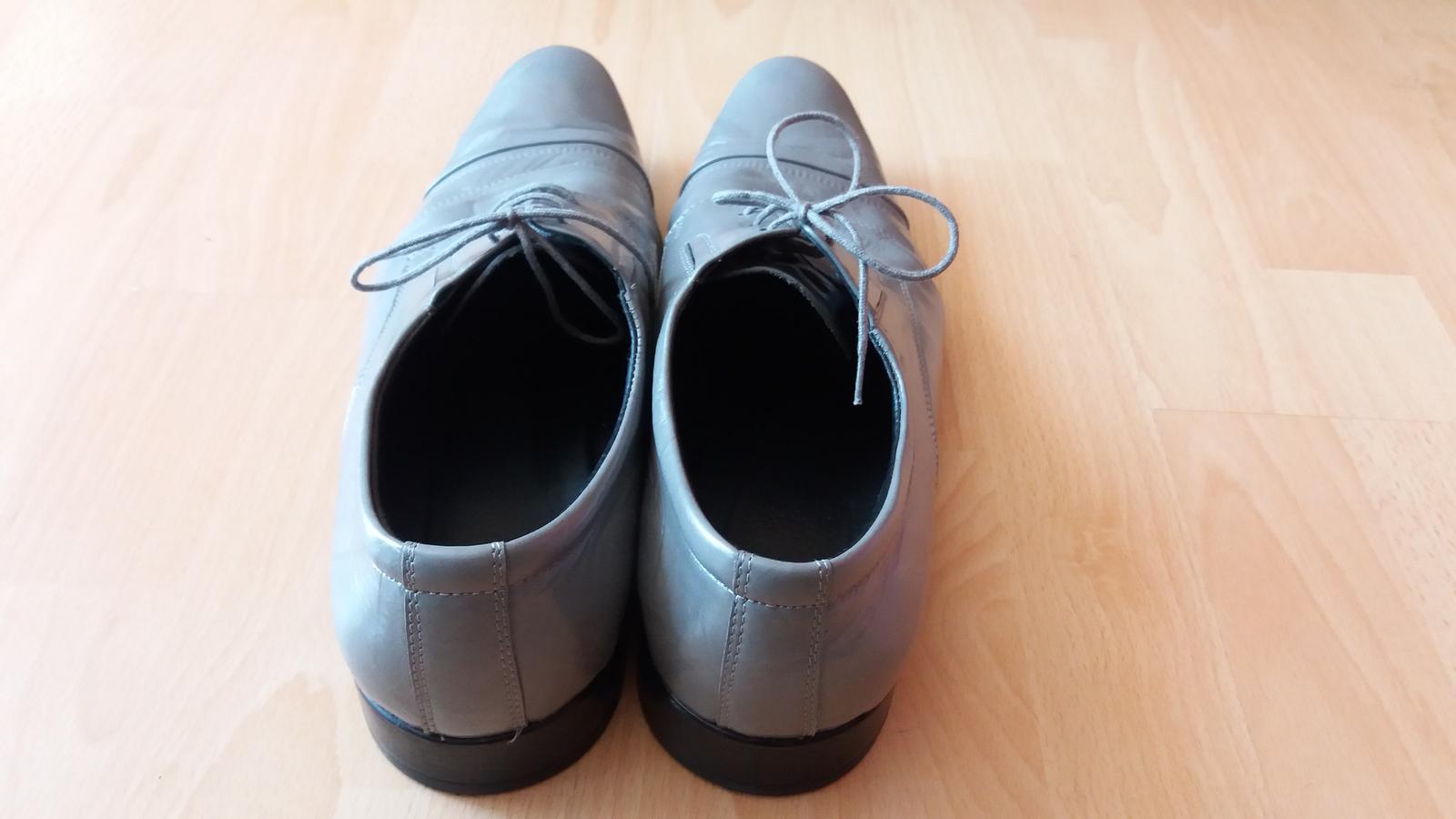 Peccini šedé kožené boty vel.43 a770a0eb7e