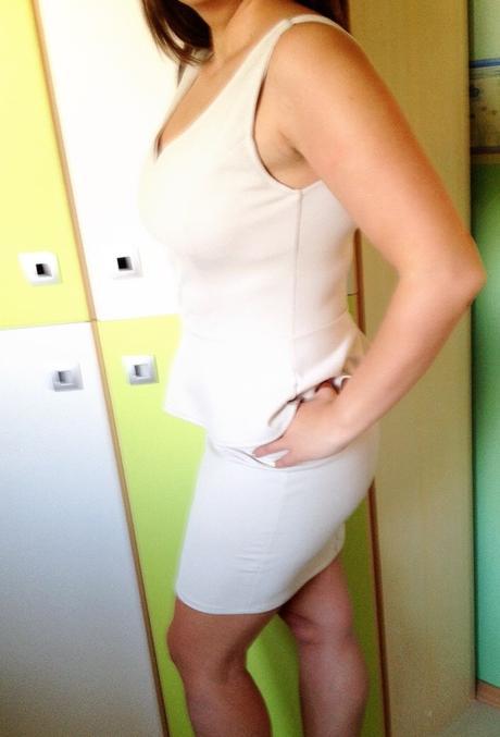 Peplum šaty., L