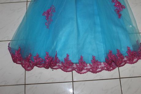Šaty, 158